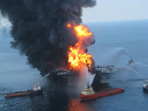 Deepwater Horizon taming the fire
